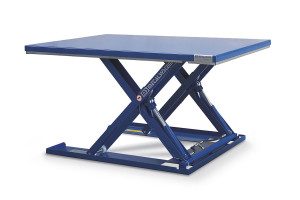 Rectangular MSE-12-09/08: rectangular low-profile table. 100% painted steel. Maximum load: 1200 kg. Raised height: 900 mm. Closed height: 90 mm. Top platform: 800 mm (W) x 1200 mm (L).