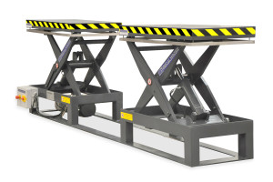 MSTAP 10-07/05: tandem scissor lift table. Painted steel. Maximum load: 1000 kg. Raised height: 700 mm. Separate tables.