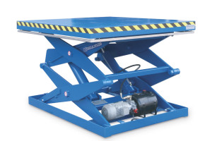 MSSAP-20-20/11: double-scissor lift table in painted steel. Maximum load: 2000 kg. Raised height: 2000 mm. Smooth top platform. Integrated hydraulic motor.