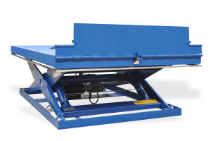 MSAP-60-16.5/20: painted steel. Maximum load: 6000 kg. Raised height: 1650 mm. Automatic lip with side flaps.