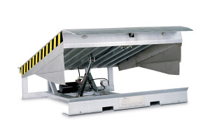 MSRH-GI: galvanised steel hinged lip leveller; top platform and side lips in stainless steel.